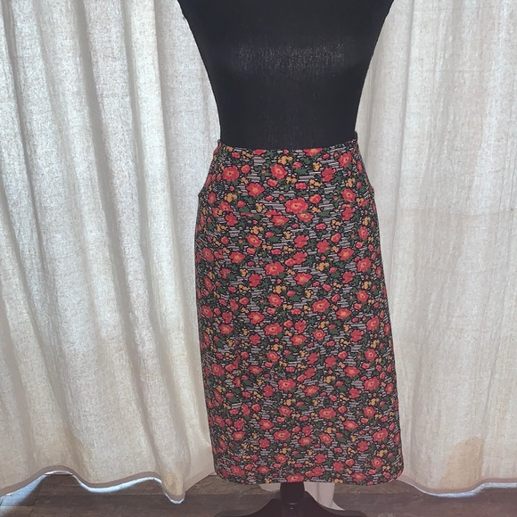 Lularoe floral skirt sized medium